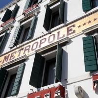 http://vernaculartypography.com/files/gimgs/th-107_Woodward_Vernacular Typography_Venice_175.jpg