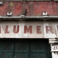 http://vernaculartypography.com/files/gimgs/th-107_Woodward_Vernacular Typography_Venice_227.jpg