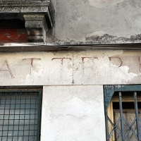 http://vernaculartypography.com/files/gimgs/th-107_Woodward_Vernacular Typography_Venice_250.jpg