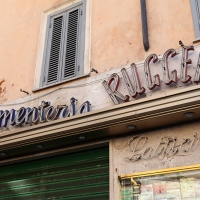 http://vernaculartypography.com/files/gimgs/th-108_Woodward_Vernacular Typography_Rome_257.jpg