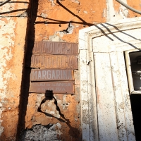 http://vernaculartypography.com/files/gimgs/th-108_Woodward_Vernacular Typography_Rome_263.jpg