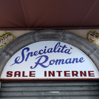 http://vernaculartypography.com/files/gimgs/th-108_Woodward_Vernacular Typography_Rome_266.jpg