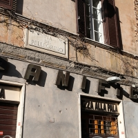 http://vernaculartypography.com/files/gimgs/th-108_Woodward_Vernacular Typography_Rome_279.jpg