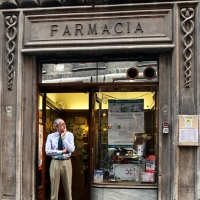 http://vernaculartypography.com/files/gimgs/th-108_Woodward_Vernacular Typography_Rome_280.jpg