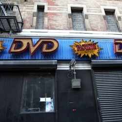 http://vernaculartypography.com/files/gimgs/th-19_Woodward_Vernacular-Typography_Times-Square_Ghost-Signs_138_v2.jpg