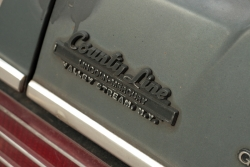 http://vernaculartypography.com/files/gimgs/th-40_MollyWoodward_Vernacular Typography_cars_052.jpg