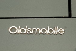 http://vernaculartypography.com/files/gimgs/th-40_MollyWoodward_Vernacular Typography_cars_059.jpg