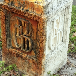 http://vernaculartypography.com/files/gimgs/th-46_Woodward-Vernacular-Typography-Palm-Beach-2_044.jpg