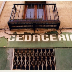 http://vernaculartypography.com/files/gimgs/th-49_mw_vernacular typography_spain_066.jpg