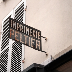 http://vernaculartypography.com/files/gimgs/th-60_50_mwvernacular-typographyfrance151_v2.jpg