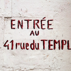 http://vernaculartypography.com/files/gimgs/th-60_50_mwvernacular-typographyfrance193_v2.jpg