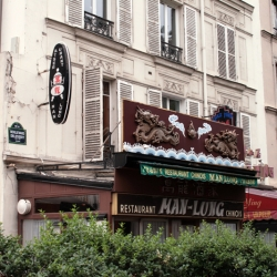 http://vernaculartypography.com/files/gimgs/th-61_49_mwvernacular-typographyfrance024_v2.jpg