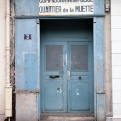 http://vernaculartypography.com/files/gimgs/th-61_49_mwvernacular-typographyfrance034_v2.jpg