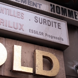 http://vernaculartypography.com/files/gimgs/th-61_49_mwvernacular-typographyfrance035_v2.jpg