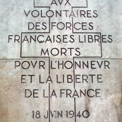 http://vernaculartypography.com/files/gimgs/th-61_49_mwvernacular-typographyfrance056_v2.jpg