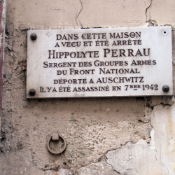 http://vernaculartypography.com/files/gimgs/th-61_49_mwvernacular-typographyfrance064_v2.jpg