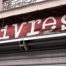 http://vernaculartypography.com/files/gimgs/th-61_49_mwvernacular-typographyfrance077_v2.jpg