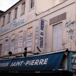 http://vernaculartypography.com/files/gimgs/th-61_49_mwvernacular-typographyfrance080_v2.jpg