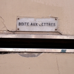 http://vernaculartypography.com/files/gimgs/th-61_49_mwvernacular-typographyfrance092_v2.jpg