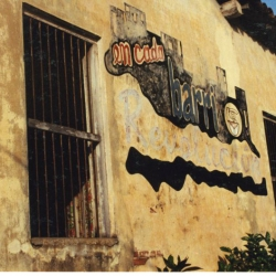 http://vernaculartypography.com/files/gimgs/th-64_mw_vernacular typography_cuba_011.jpg