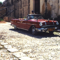 http://vernaculartypography.com/files/gimgs/th-64_mw_vernacular typography_cuba_cars_004.jpg