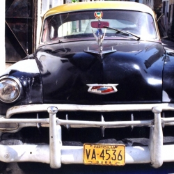 http://vernaculartypography.com/files/gimgs/th-64_mw_vernacular typography_cuba_cars_015.jpg