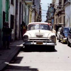 http://vernaculartypography.com/files/gimgs/th-64_mw_vernacular typography_cuba_cars_026.jpg