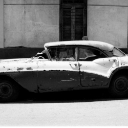 http://vernaculartypography.com/files/gimgs/th-64_mw_vernacular typography_cuba_cars_031.jpg