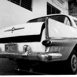 http://vernaculartypography.com/files/gimgs/th-64_mw_vernacular typography_cuba_cars_032.jpg