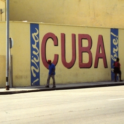 http://vernaculartypography.com/files/gimgs/th-64_mw_vernacular-typography_cuba_080.jpg