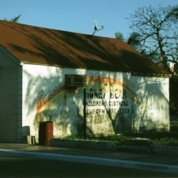 http://vernaculartypography.com/files/gimgs/th-66_mw_vernacular typography_bahamas_003.jpg